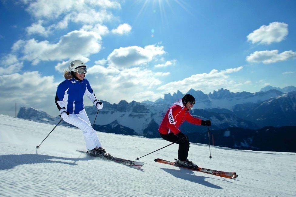 Alpines Skivergnügen im Winterurlaub auf dem Bauernhof